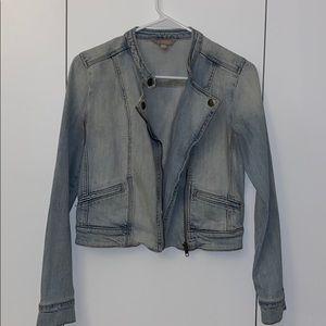 Moto Style Light wash jean jacket 😍